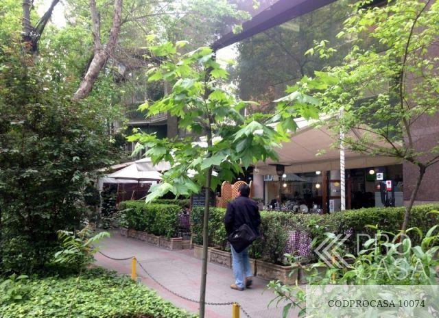 Exteriores(Cafes;Restoranes;Tiendas de conveniencia)