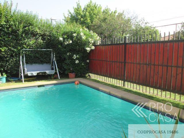 Fachada, piscina