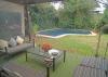 Jard�n con piscina